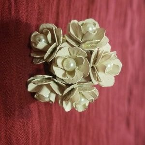 Flower ring/ silver-toned
